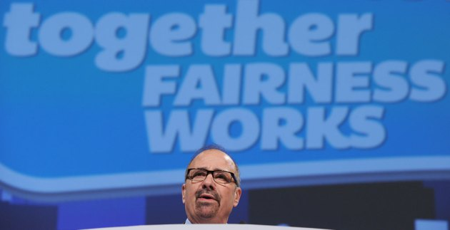 Canadian Labour Congress President Ken Georgetti address delegates on the opening day of the 27th Constitutional Convention in Montreal, on May 5, 2014. (Graham Hughes/THE CANADIAN PRESS)